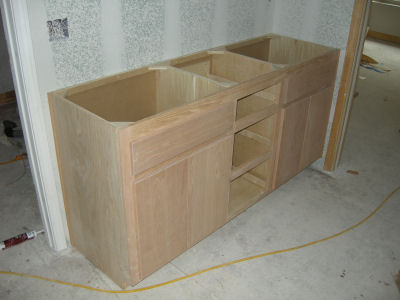 plans cabinets in bathroom