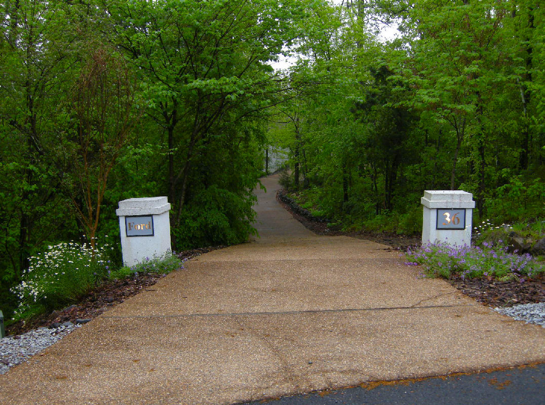 Driveway post designs pictures to pin on pinterest pinsdaddy for Driveway landscaping